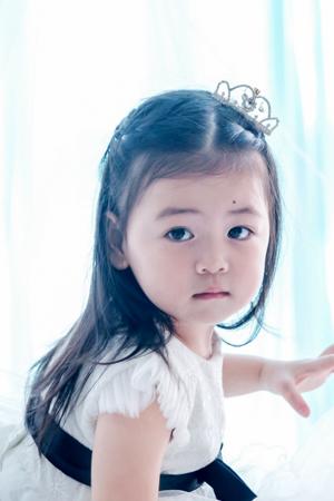 B182 Grace Cheng
